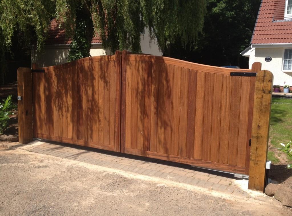 Wooden Gates 71 - TPS Electric Gates