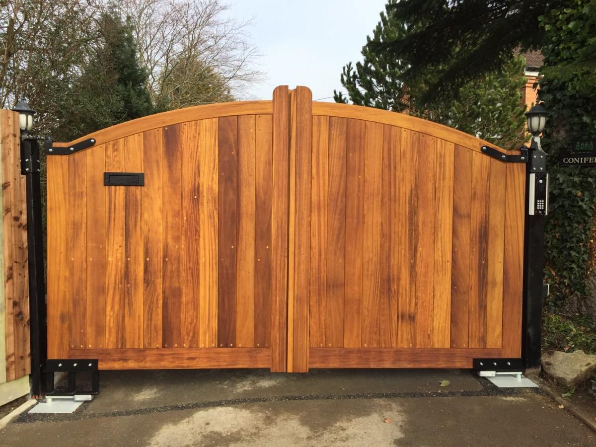 Wooden Gates 69 - TPS Electric Gates