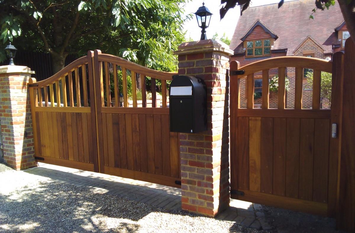 Wooden Gates 65 - TPS Electric Gates