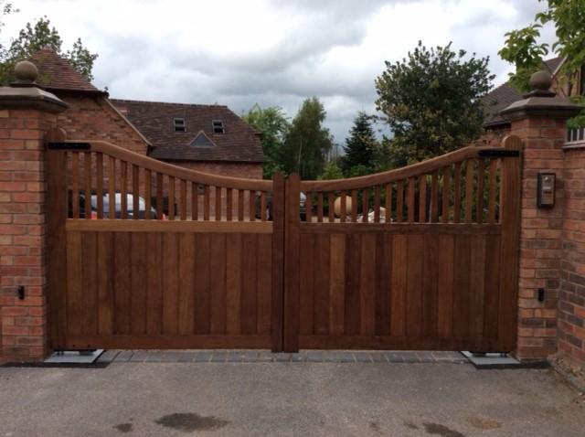 Wooden Gates 64 - TPS Electric Gates