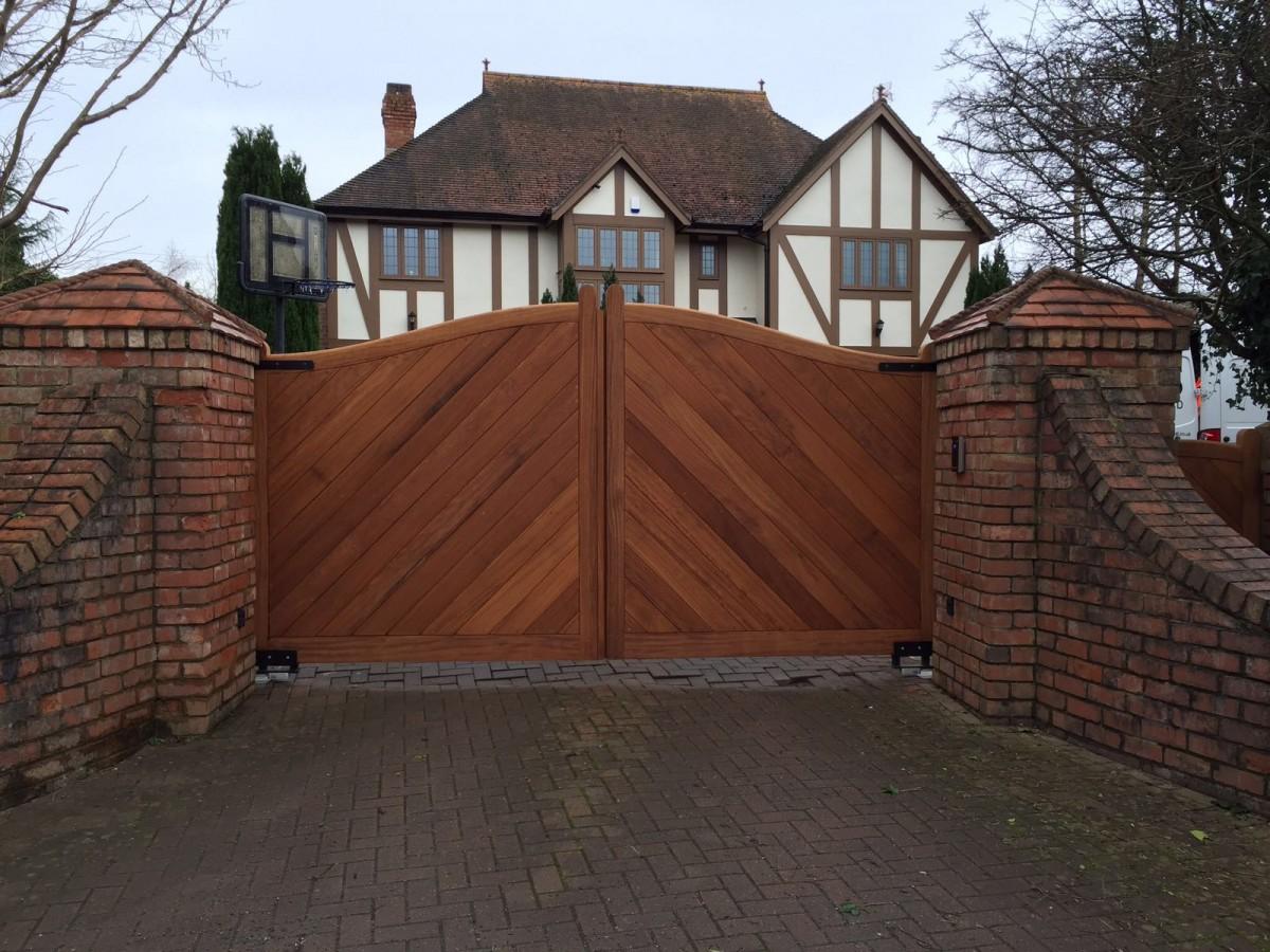 Wooden Gates 63 - TPS Electric Gates