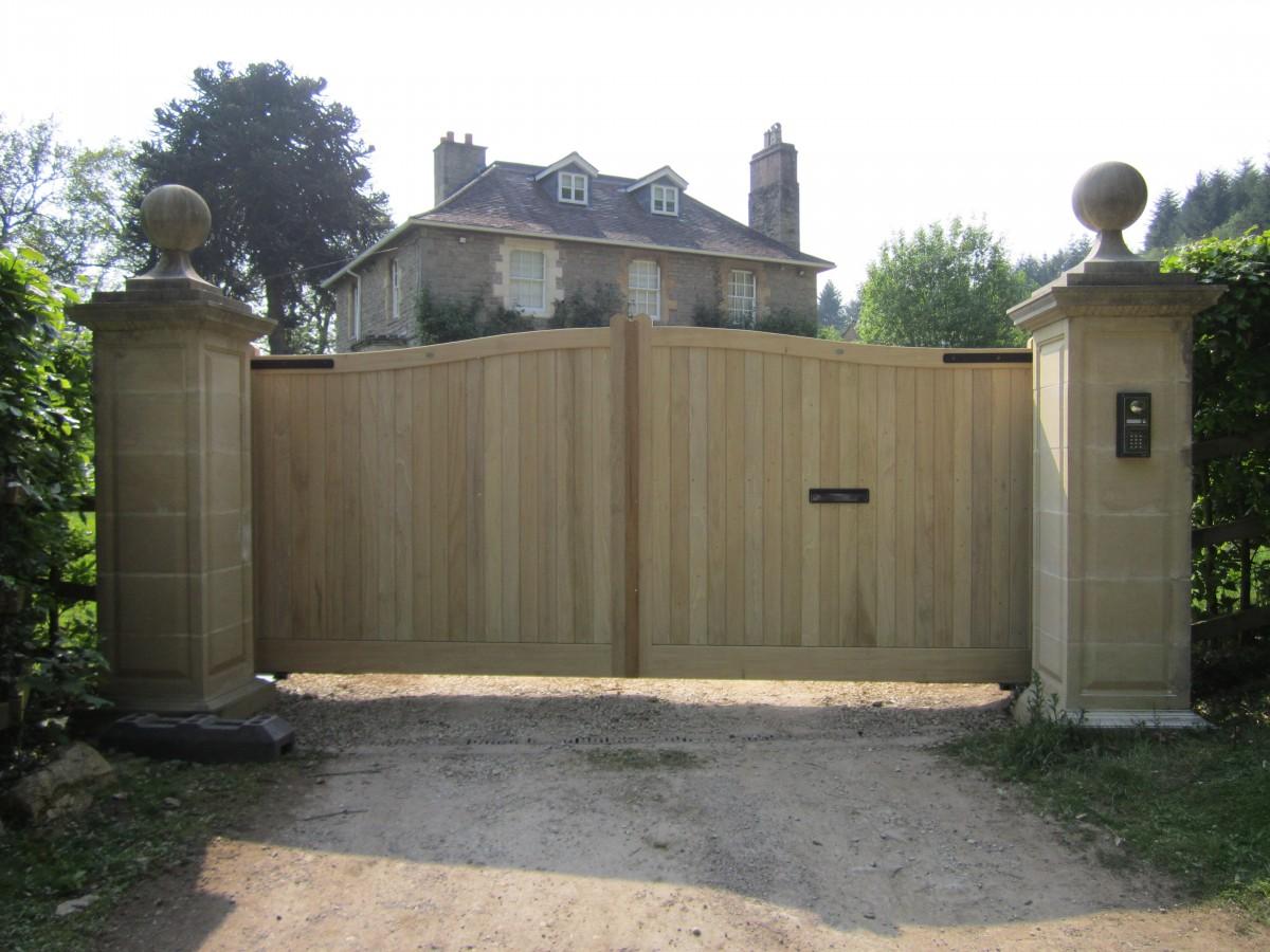 Wooden Gates 62 - TPS Electric Gates
