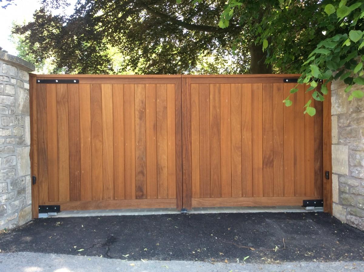 Wooden Gates 61 - TPS Electric Gates