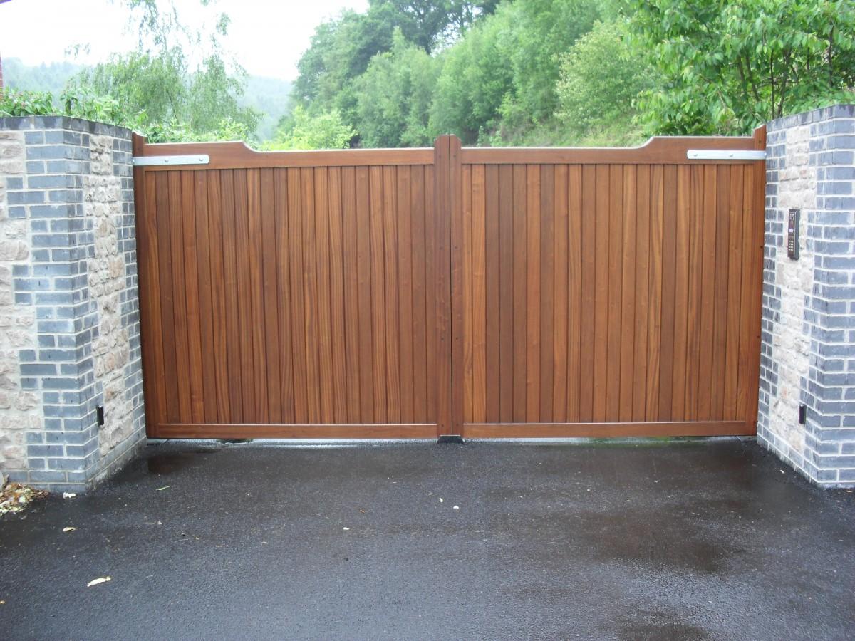 Wooden Gates 58 - TPS Electric Gates