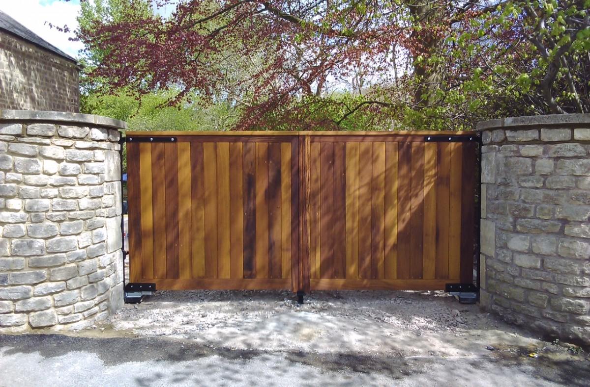 Wooden Gates 54 - TPS Electric Gates