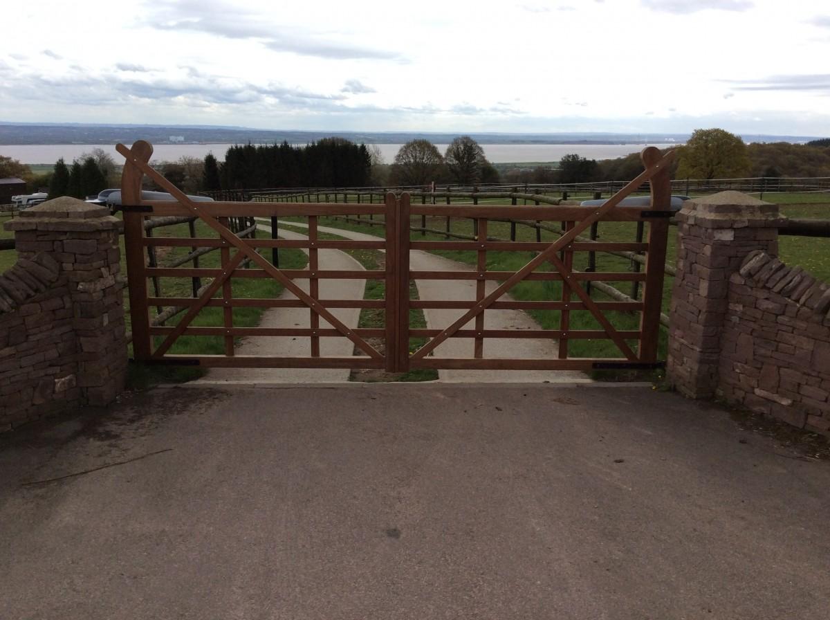 Wooden Gates 53 - TPS Electric Gates