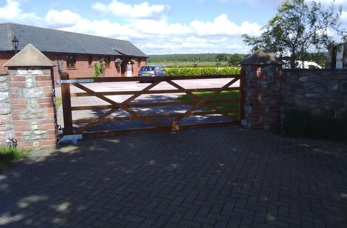 Wooden Gates 49 - TPS Electric Gates