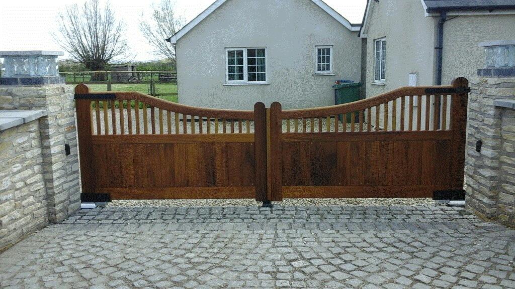 Wooden Gates 47 - TPS Electric Gates
