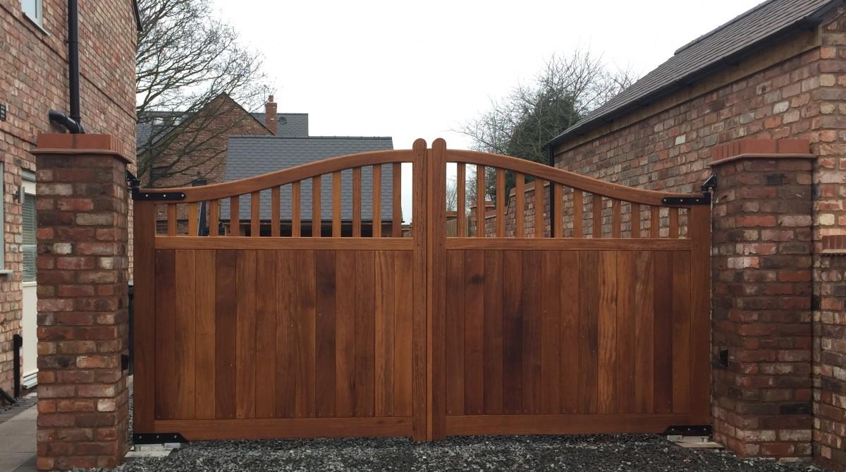 Wooden Gates 40 - TPS Electric Gates
