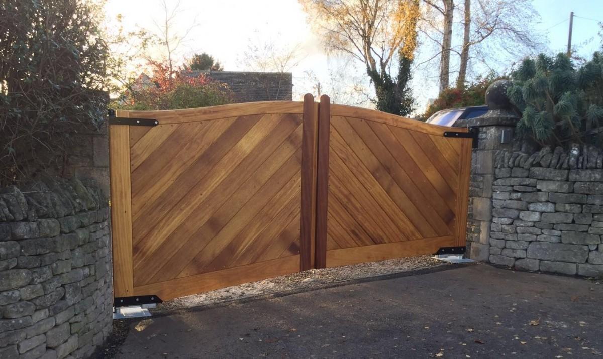 Wooden Gates 39 - TPS Electric Gates