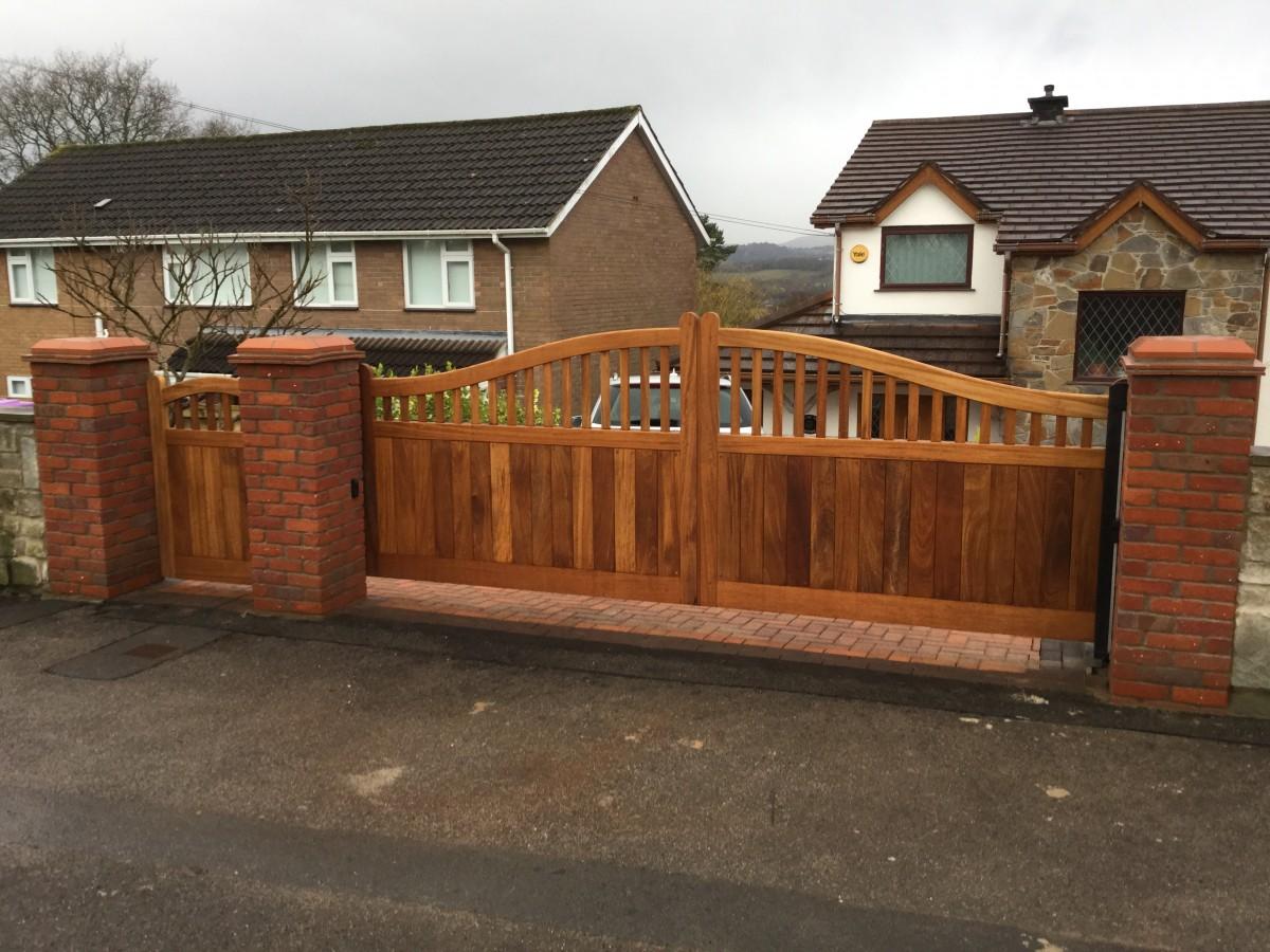 Wooden Gates 37 - TPS Electric Gates