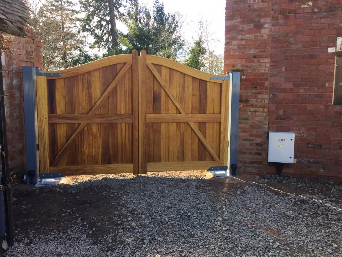 Wooden Gates 36 - TPS Electric Gates