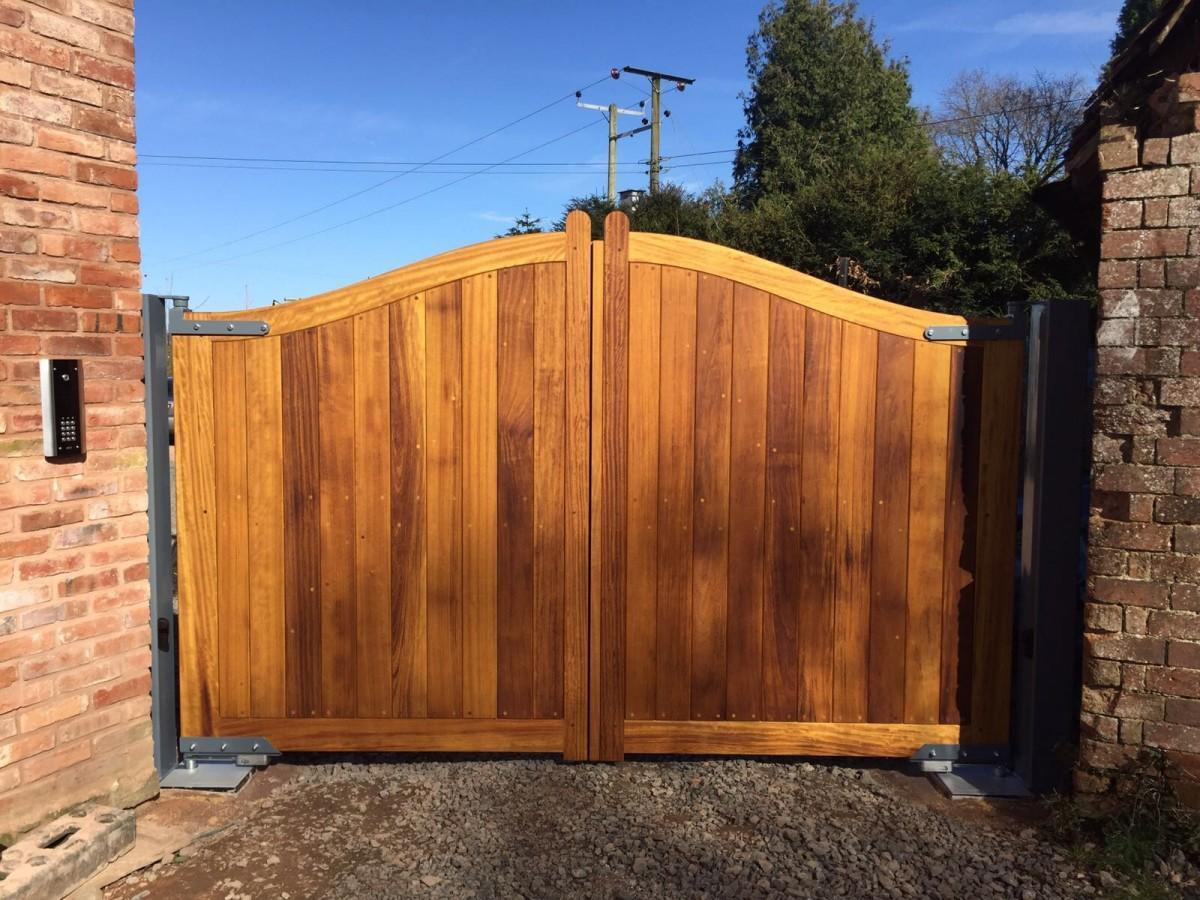 Wooden Gates 35 - TPS Electric Gates