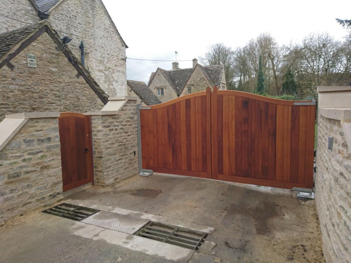 Wooden Gates 32 - TPS Electric Gates
