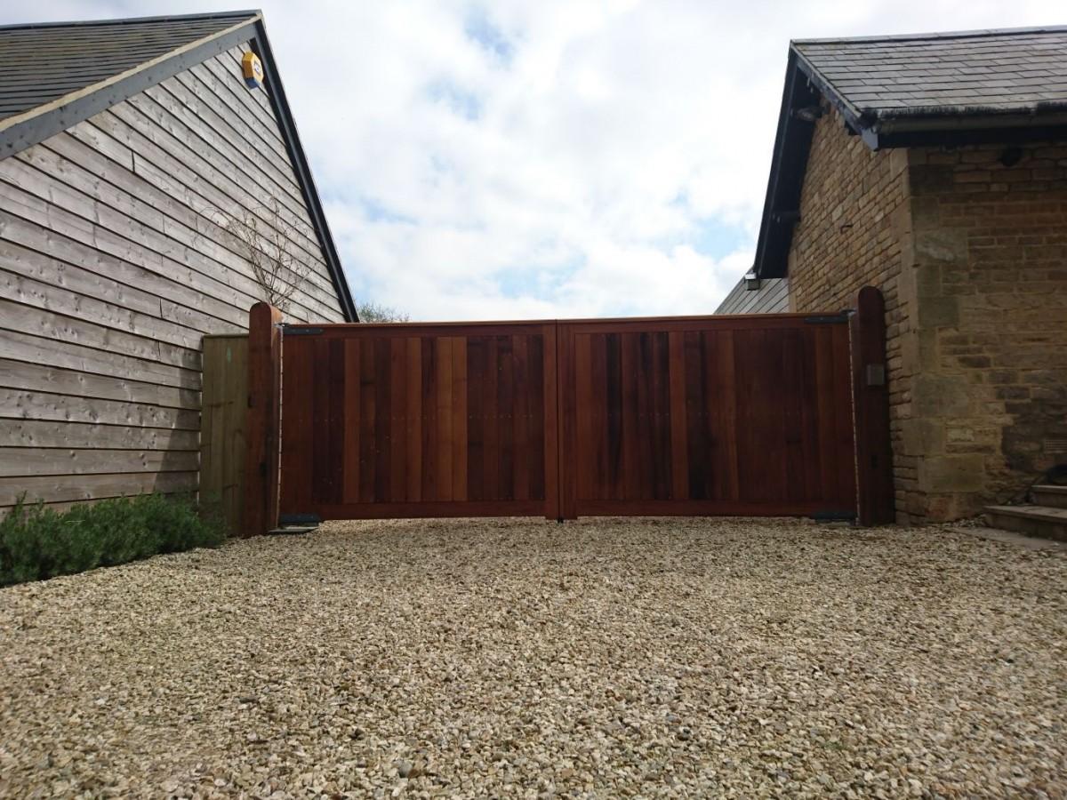 Wooden Gates 31 - TPS Electric Gates