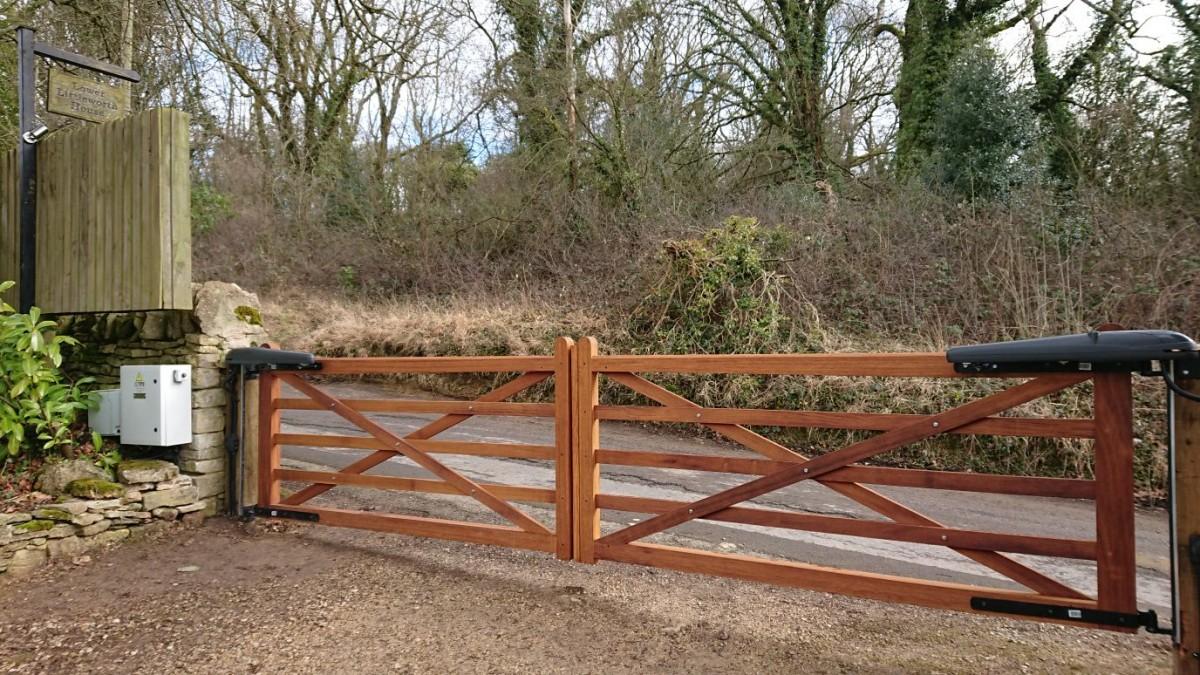 Wooden Gates 22 - TPS Electric Gates