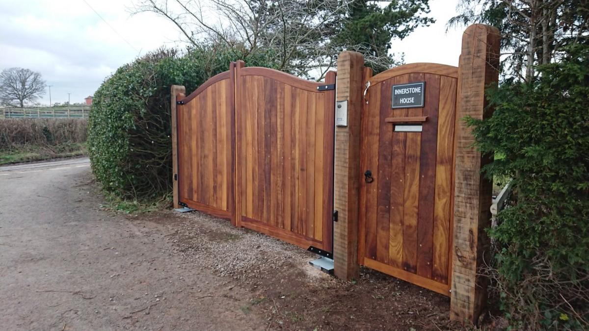 Wooden Gates 20 - TPS Electric Gates