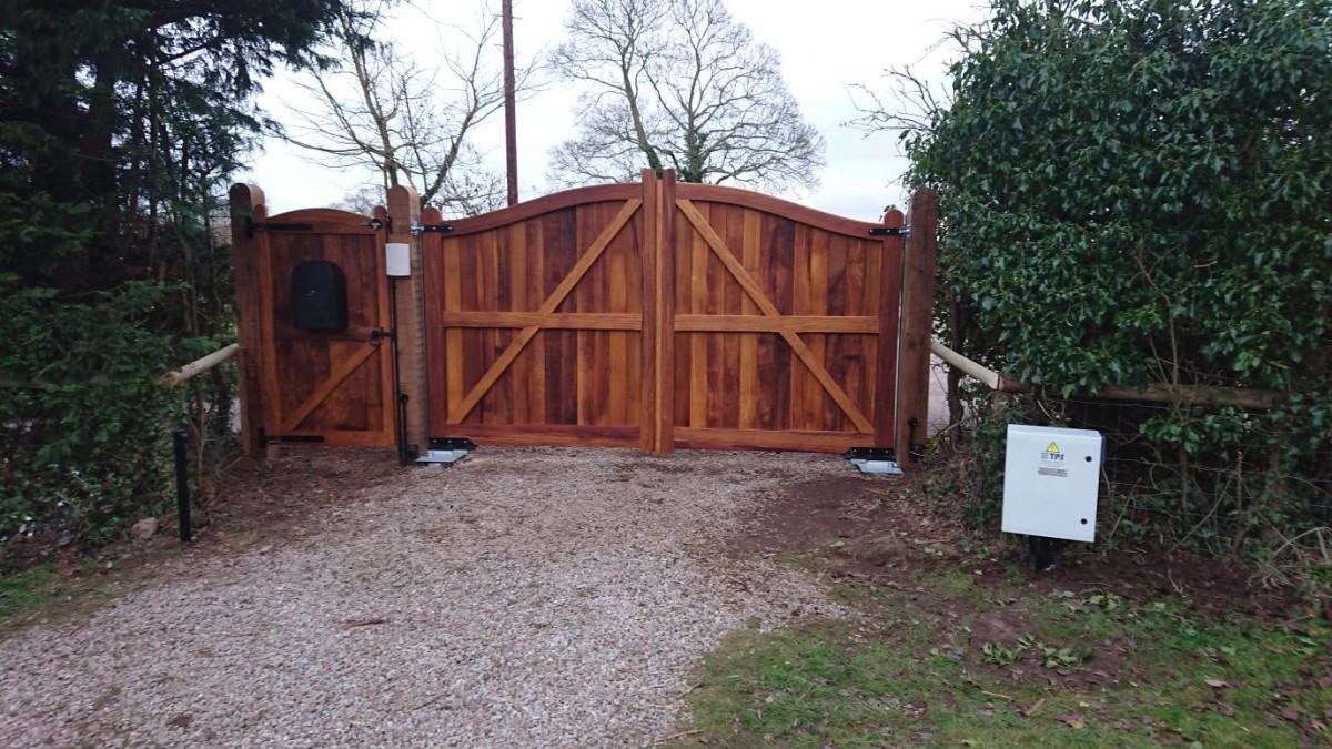 Wooden Gates 19 - TPS Electric Gates