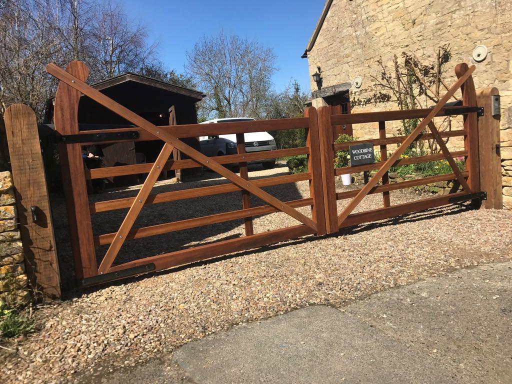 Wooden Gates 18 - TPS Electric Gates