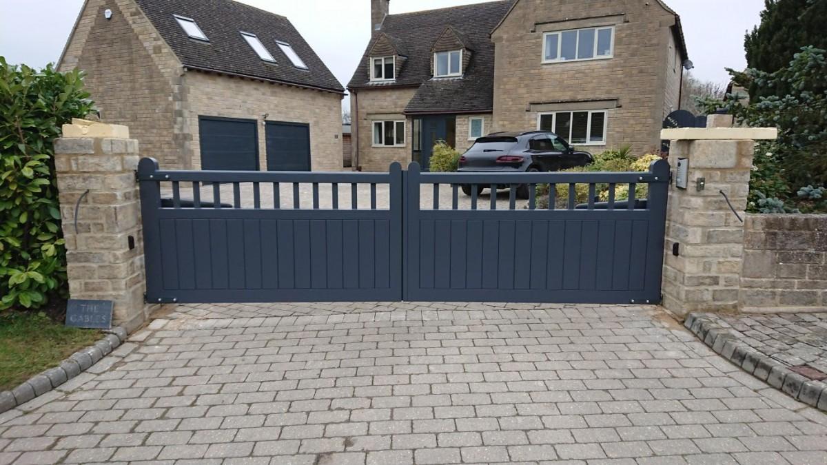 Wooden Gates 17 - TPS Electric Gates