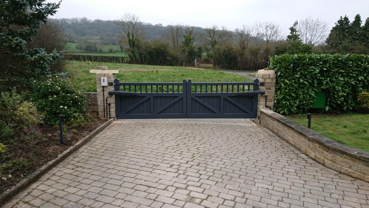 Wooden Gates 16 - TPS Electric Gates