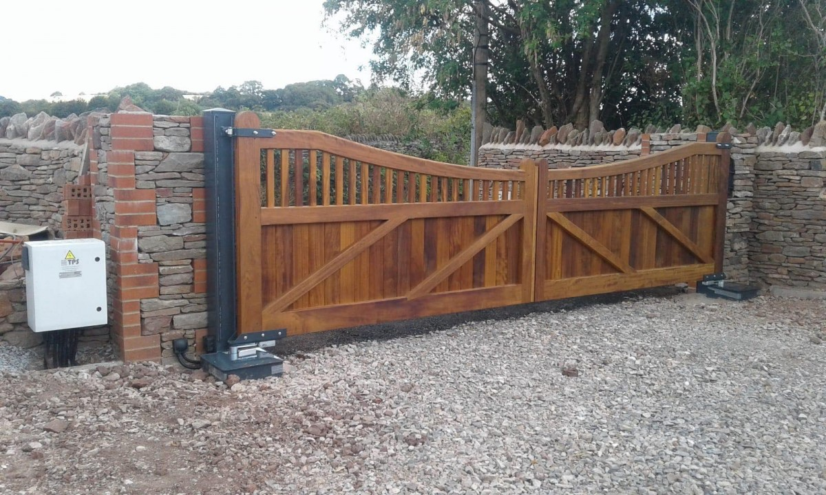 Electric Wood Gates   TPS Electric Gates