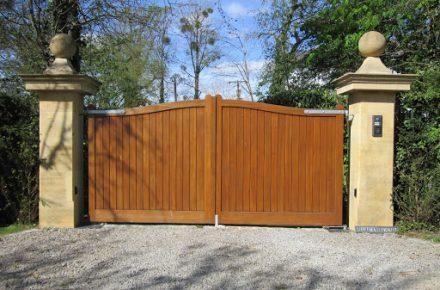 Wooden Gate   TPS Electric Gates